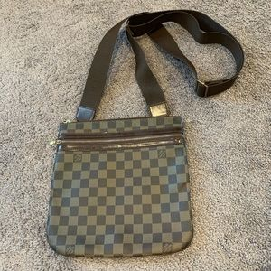 Authentic Louis Vuitton Pochette Bosphore